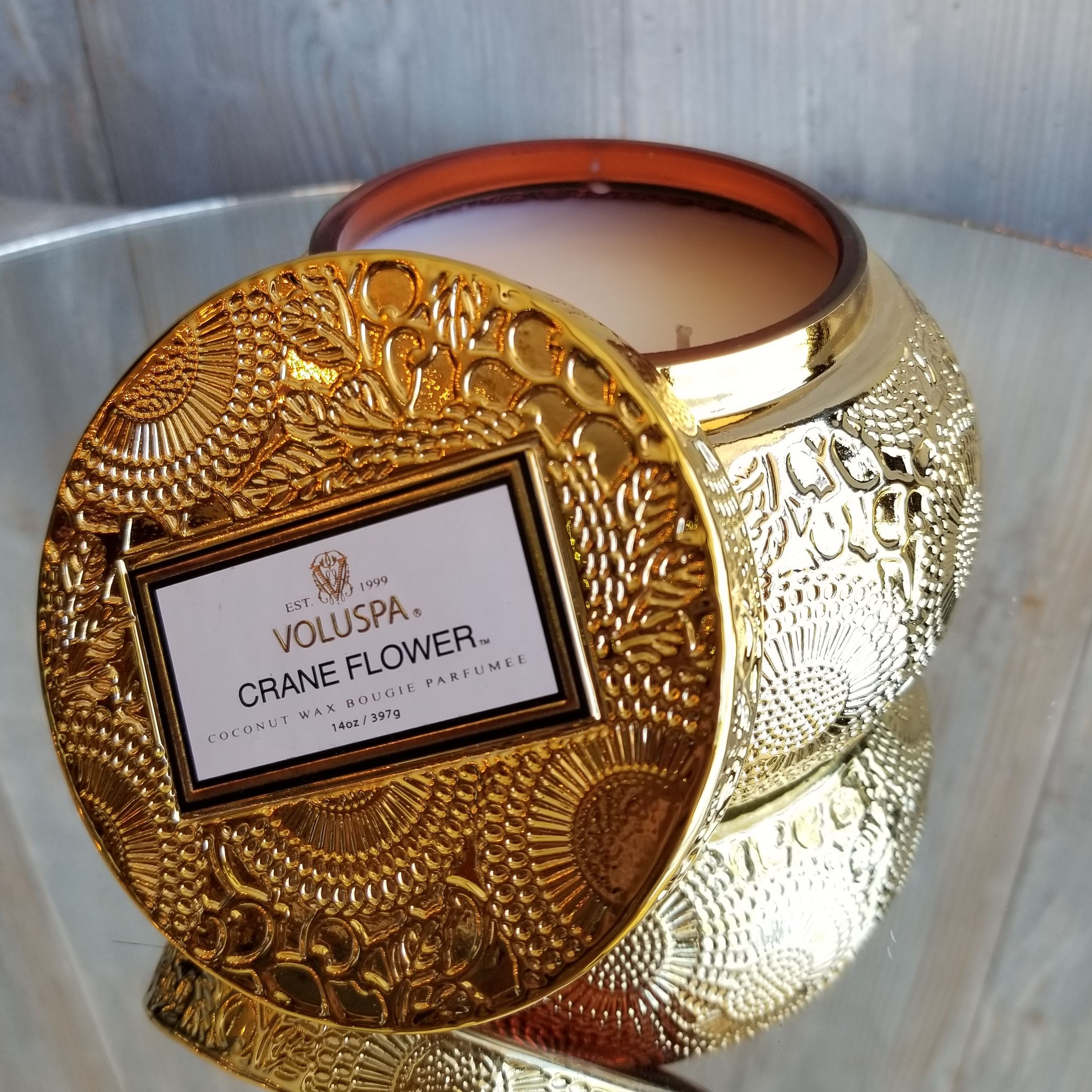 Voluspa Embossed Glass Candle: Crane Flower