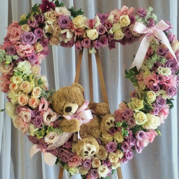 Treasured Memories Heart Wreath